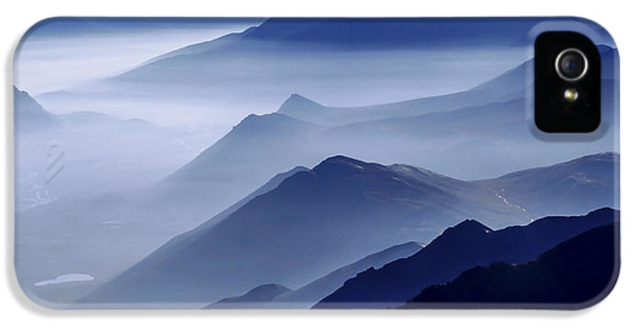 Morning Mist IPhone 5 / 5s Case featuring the photograph Morning Mist by Chad Dutson