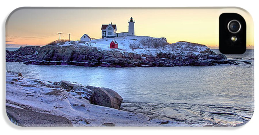 Cape Neddick Light IPhone 5 / 5s Case featuring the photograph Nubble Sunrise by Susan Cole Kelly