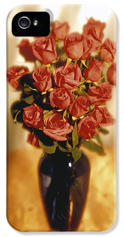 Red IPhone 5 / 5s Case featuring the photograph Roses by Tony Cordoza