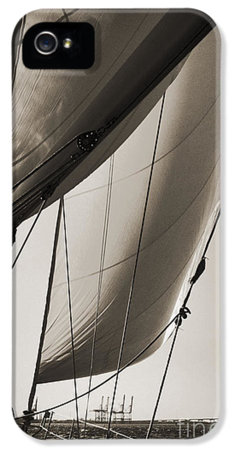 Sailing IPhone 5 / 5s Case featuring the photograph Sailing Beneteau 49 Sloop by Dustin K Ryan