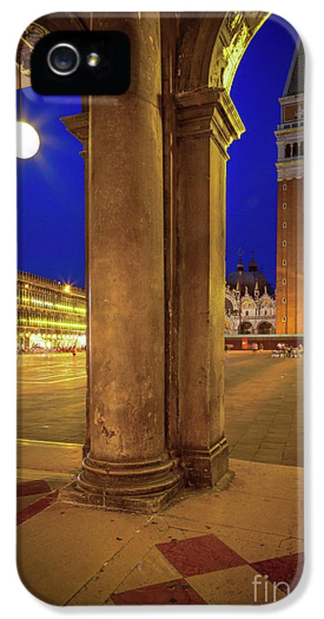Europe IPhone 5 / 5s Case featuring the photograph San Marco At Night by Inge Johnsson