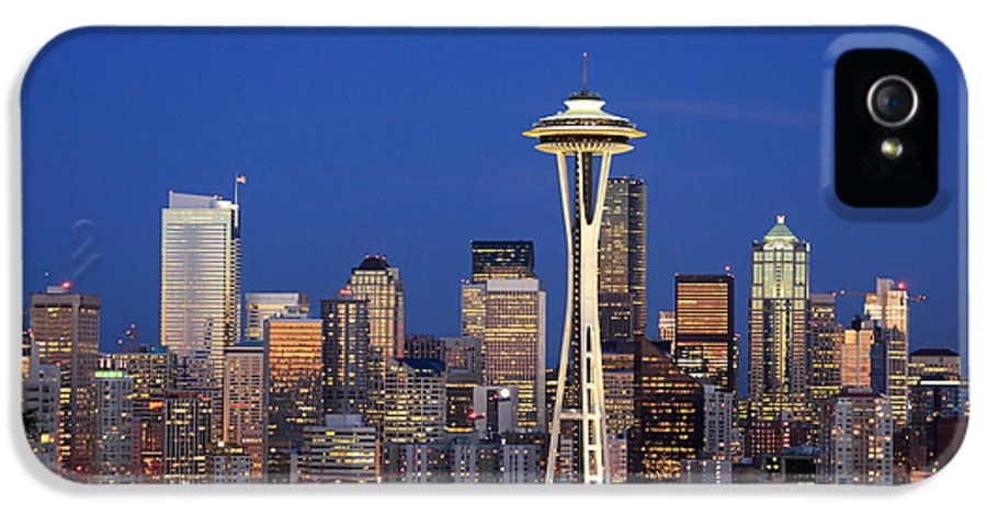 3scape Photos IPhone 5 / 5s Case featuring the photograph Seattle At Dusk by Adam Romanowicz