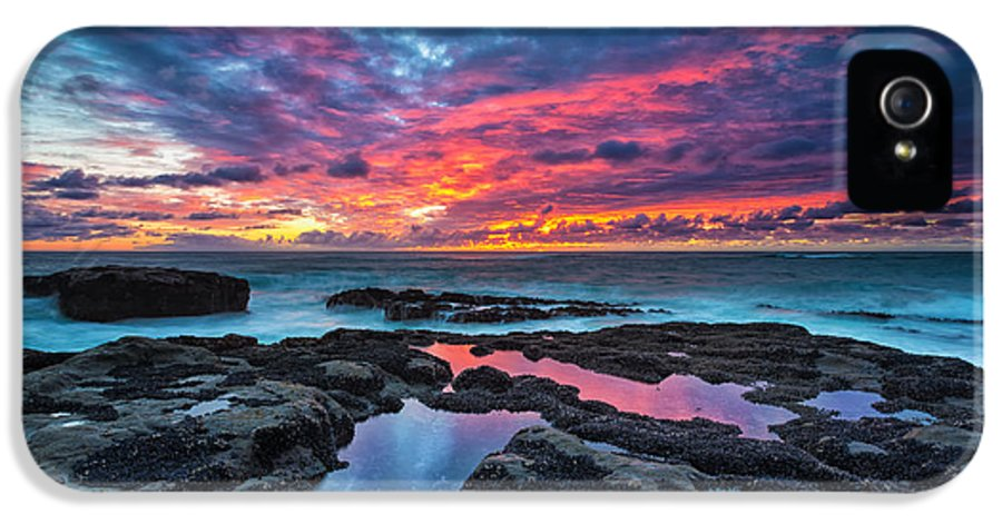 Sunset IPhone 5 / 5s Case featuring the photograph Serene Sunset by Robert Bynum
