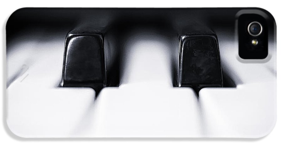 Piano IPhone 5 / 5s Case featuring the photograph Sharp Or Flat by Scott Norris