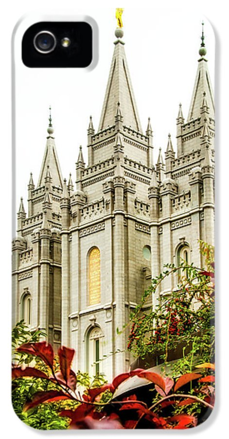 IPhone 5 / 5s Case featuring the photograph Slc Temple Angle by La Rae Roberts