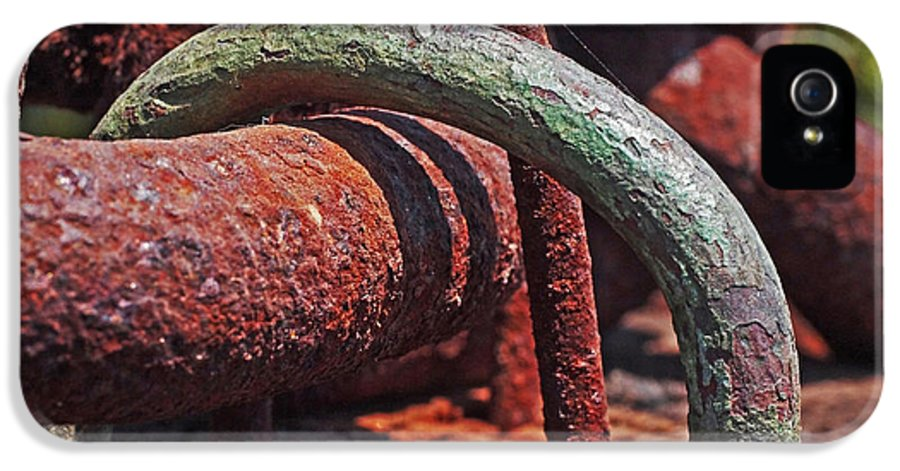 Rust IPhone 5 / 5s Case featuring the photograph Snaking Rust by Rona Black