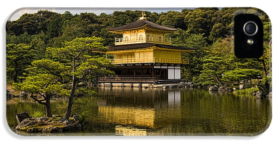 Colour IPhone 5 / 5s Case featuring the photograph The Golden Pagoda In Kyoto Japan by David Smith