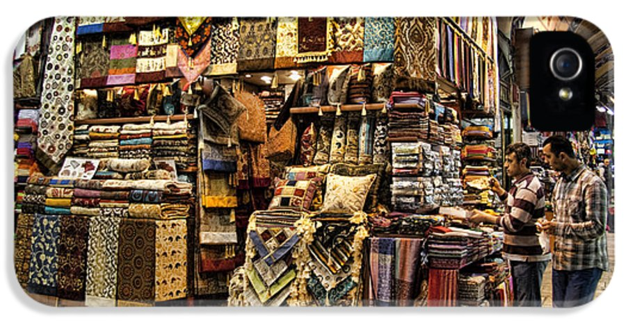 Turkey IPhone 5 / 5s Case featuring the photograph The Grand Bazaar In Istanbul Turkey by David Smith