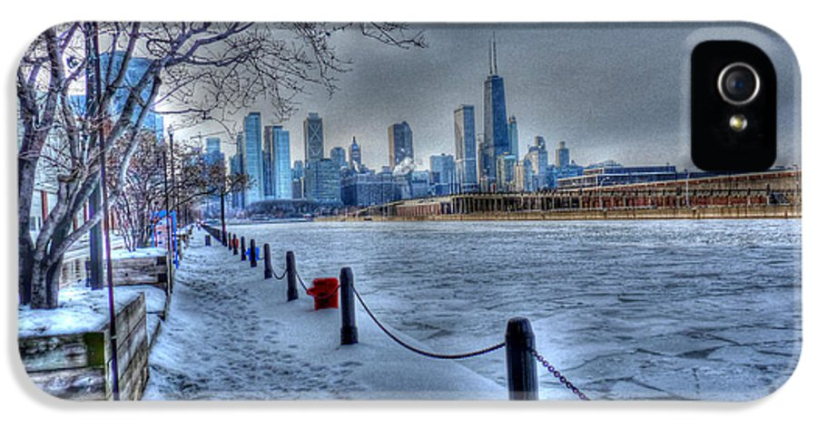 Chicago Illinois IPhone 5 / 5s Case featuring the photograph West From Navy Pier by David Bearden