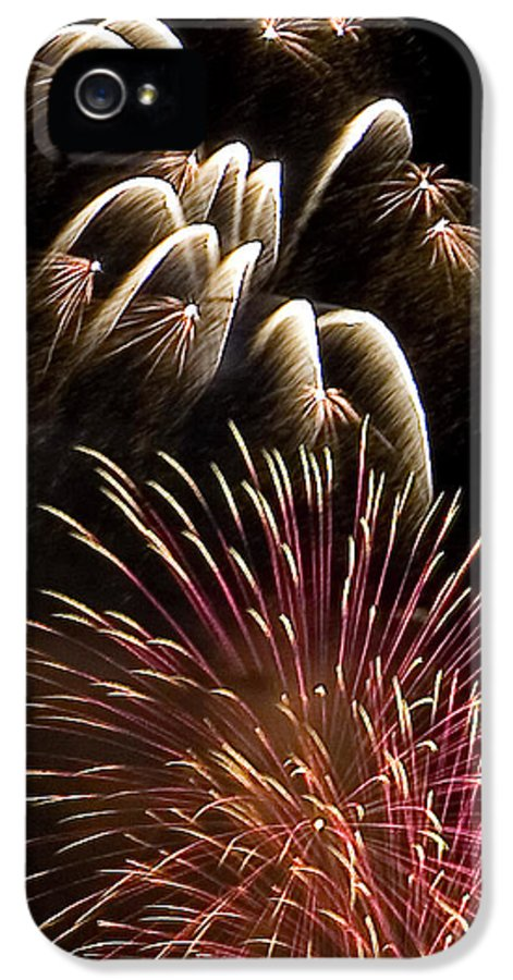 Fireworks IPhone 5 / 5s Case featuring the photograph White Trails by David Patterson