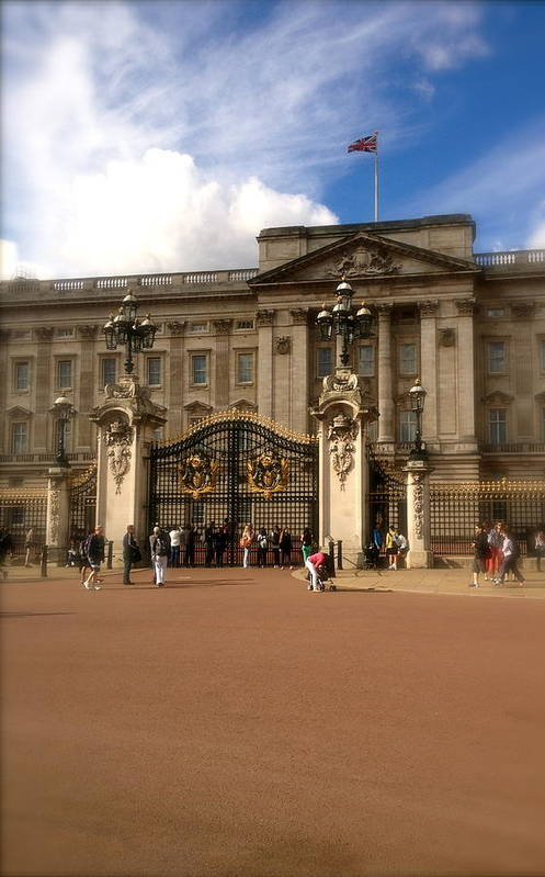 Queen Poster featuring the photograph Buckingham Palace by John Colley