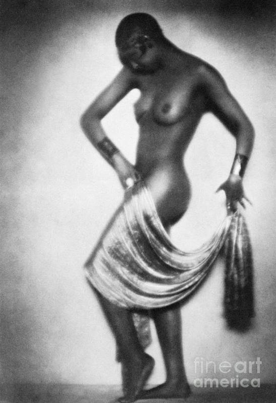 1929 Poster featuring the painting Josephine Baker (1906-1975) by Granger