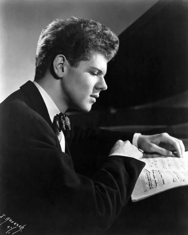 1950s Portraits Poster featuring the photograph Van Cliburn, 1954 by Everett