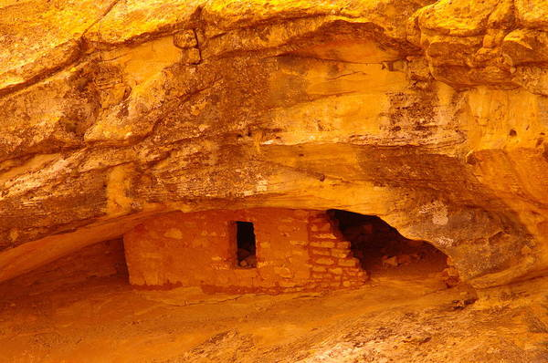 Indian Ruins Poster featuring the photograph Anasazi Ruins by Jeff Swan