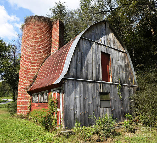 Gambrel Poster featuring the photograph Gambrel-roofed Barn by Paul Mashburn