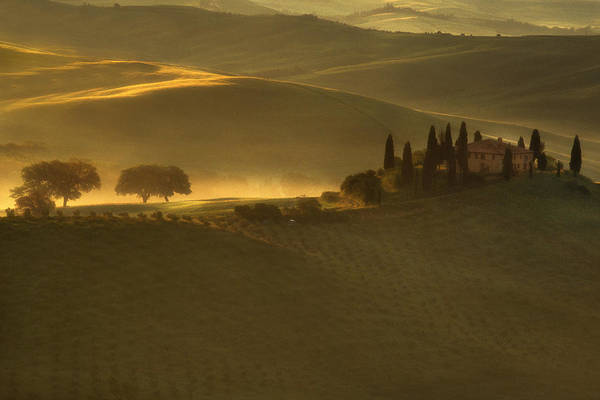 Italy Poster featuring the photograph Tuscan Farmhouse by Andrew Soundarajan