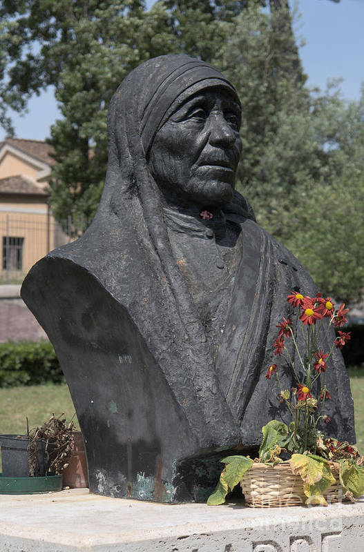 Christian Poster featuring the photograph Bust Of Mother Teresa by Fabrizio Ruggeri