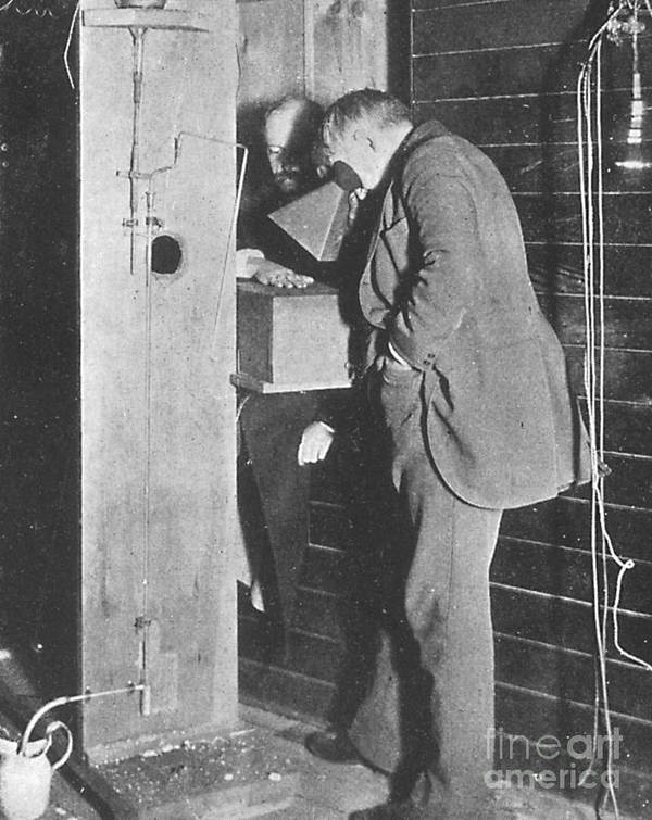 Science Poster featuring the photograph Edison Fluoroscope, 1896 by Science Source