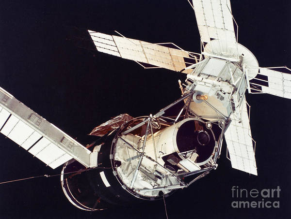 1973 Poster featuring the photograph Space: Skylab 3, 1973 by Granger