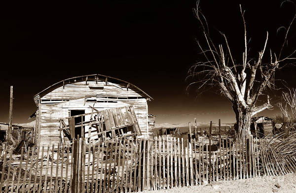 Mojave House Print featuring the photograph Mojave House by John Rizzuto