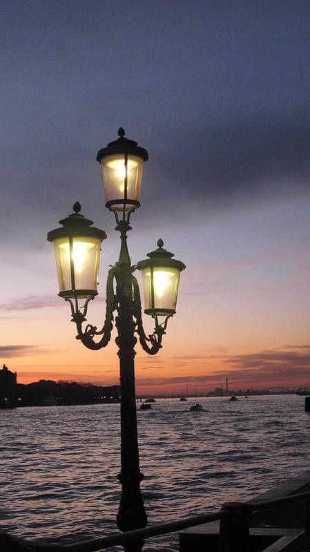 Sunset Print featuring the photograph Lampost Sunset In Venice by Catie Canetti