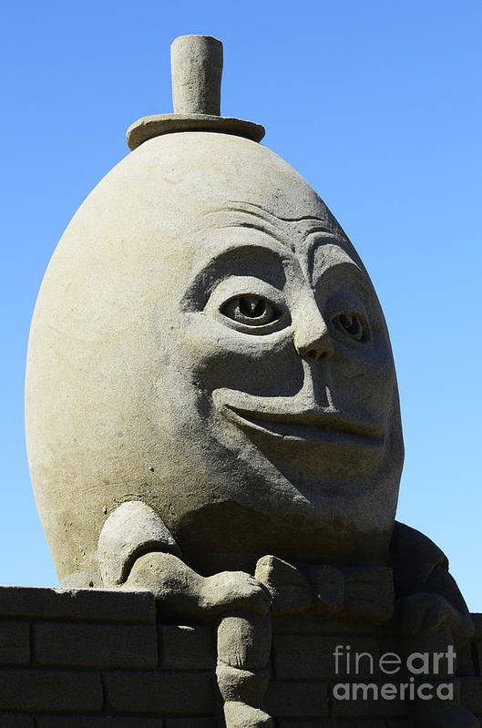 Humpty Dumpty Print featuring the photograph Humpty Dumpty Sand Sculpture by Bob Christopher