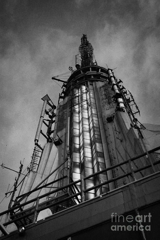Usa Print featuring the photograph View Of The Top Of The Empire State Building Radio Mast New York City by Joe Fox