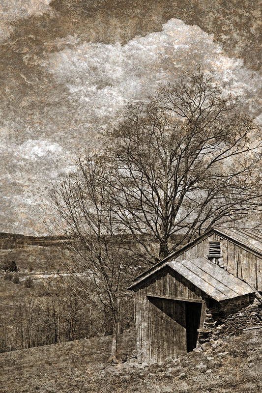 Tin Print featuring the photograph Rustic Hillside Barn by John Stephens