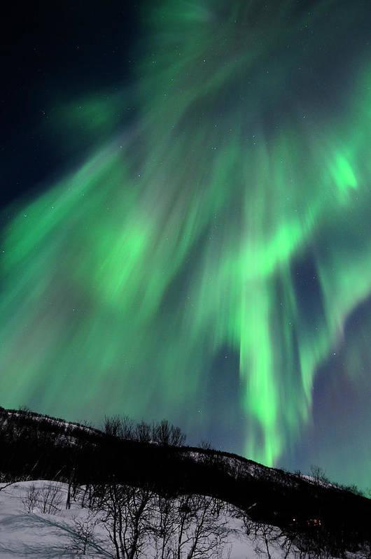 Vertical Print featuring the photograph Aurora Borealis Corona by John Hemmingsen