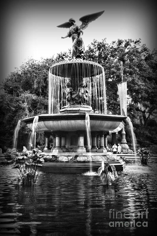 Bethesda Fountain Print featuring the photograph Bethesda Fountain by Paul Ward