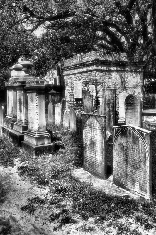Cemetery Print featuring the photograph Churchyard Of Old Charleston by Steven Ainsworth