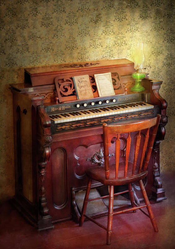 Quaint Print featuring the photograph Music - Organist - Playing The Songs Of The Gospel by Mike Savad