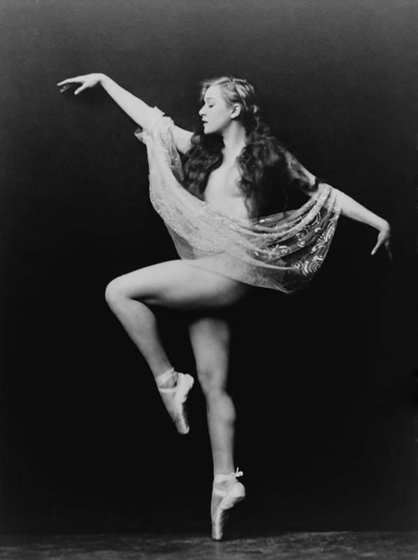 History Print featuring the photograph Carol Bergman, A Ziegfeld Girl Posed by Everett