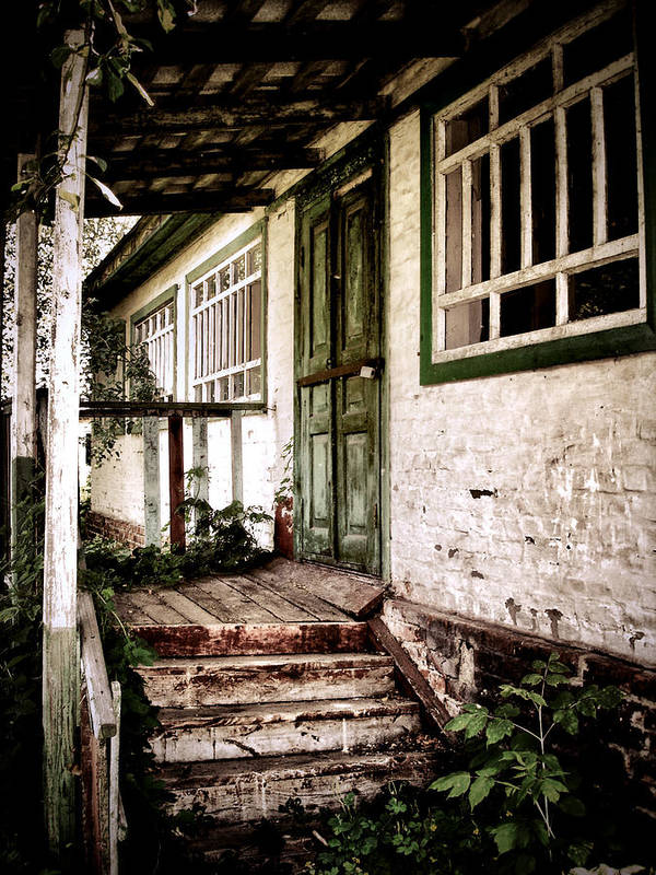 Old House Print featuring the photograph Deserted Not Forgotten by Julie Palencia