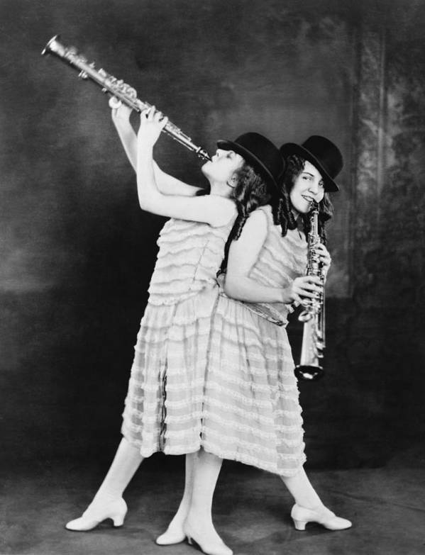 History Print featuring the photograph Daisy And Violet Hilton 1908-1969 by Everett