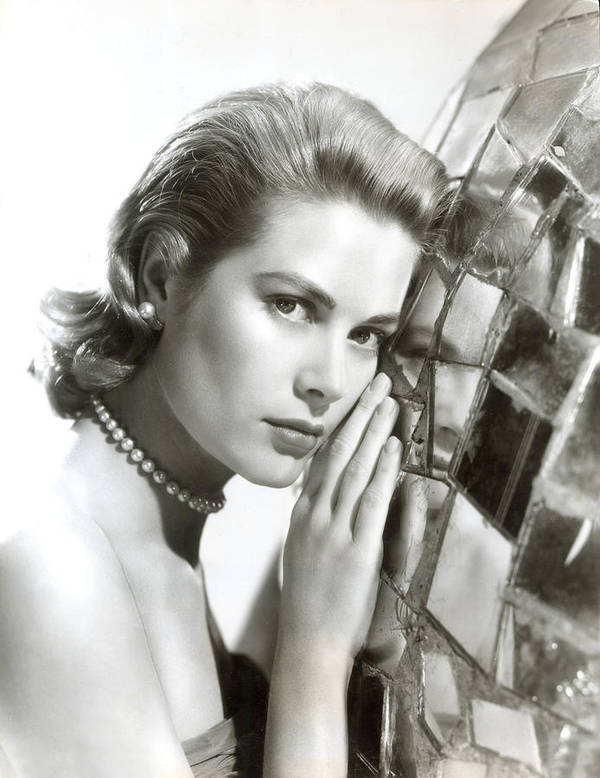 1950s Portraits Print featuring the photograph Grace Kelly, 1954 by Everett