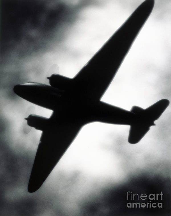 Airplane Print featuring the photograph Airplane Silhouette by Tony Cordoza