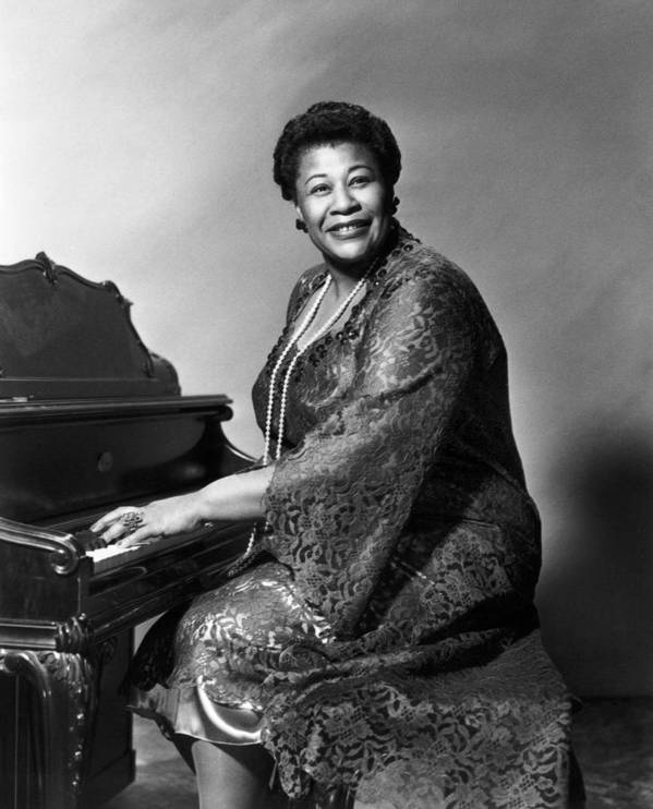 1955 Print featuring the photograph Ella Fitzgerald (1917-1996) by Granger