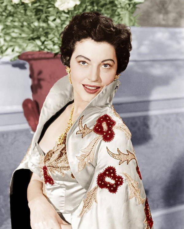 1950s Portraits Print featuring the photograph The Barefoot Contessa, Ava Gardner, 1954 by Everett