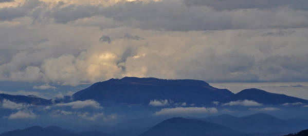 Smokey Mountains Print featuring the photograph Smokey Tippy Top Morning by Peter McIntosh