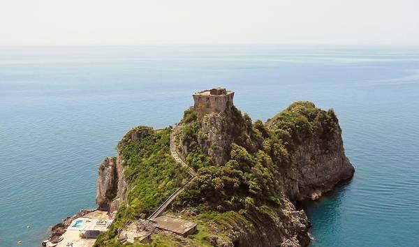 Amalfi Coast Print featuring the photograph Concu Dei Marini Amalfi by Marilyn Dunlap