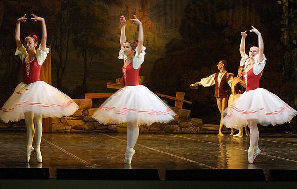 Travel Print featuring the photograph On Point Russian Ballet by Linda Phelps
