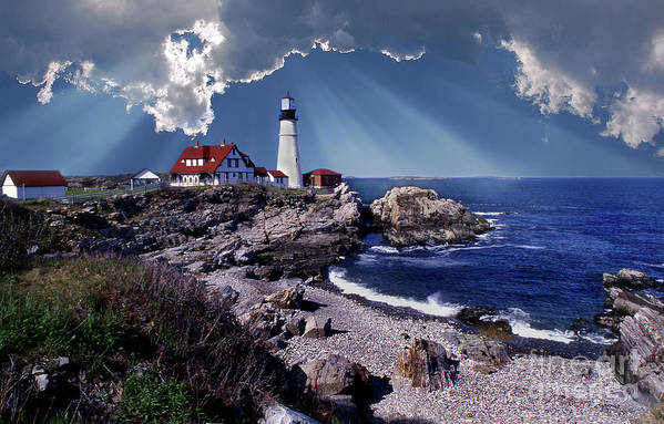 Lighthouses Print featuring the photograph Portland Head Lighthouse by Skip Willits