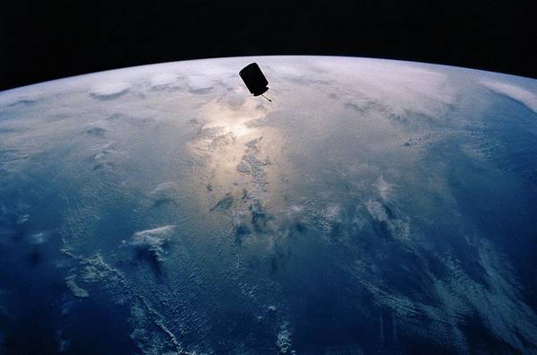 History Print featuring the photograph Intelsat Vi, A Communication Satellite by Everett