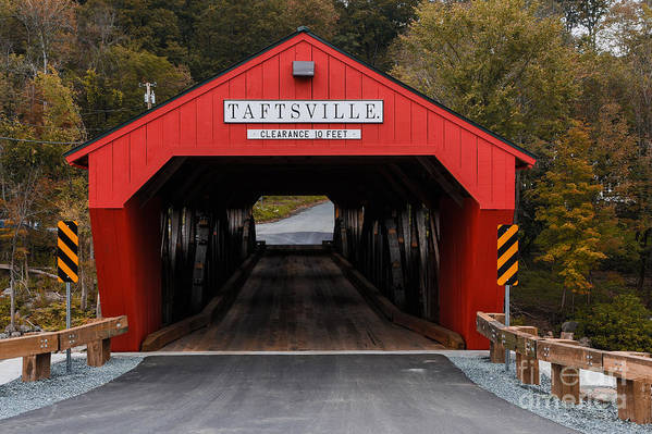 Bridge Print featuring the photograph Taftsville Covered Bridge Vermont by Edward Fielding