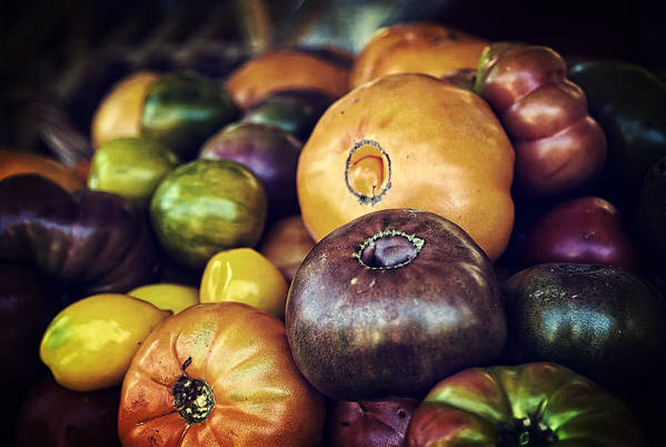 Fruit Print featuring the photograph Heirloom Tomatoes At The Farmers Market by Scott Norris