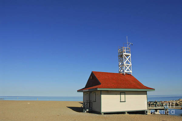 Leuty Print featuring the photograph Leuty Lifeguard Station In Toronto by Elena Elisseeva