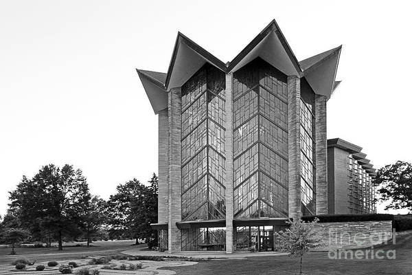 Crusaders Print featuring the photograph Valparasio University Chapel Of The Ressurection by University Icons