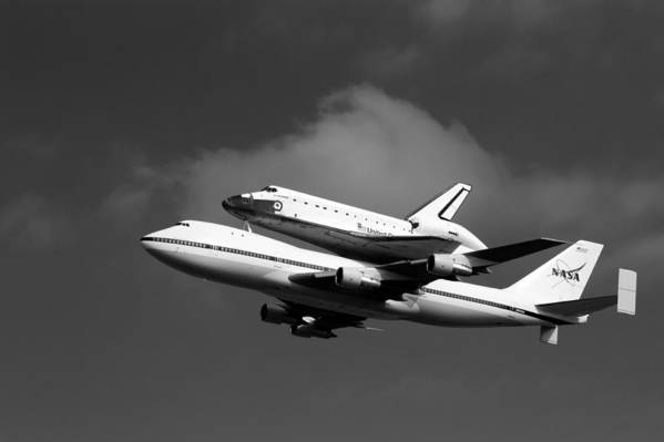747 Print featuring the photograph Shuttle Endeavour by Jason Smith