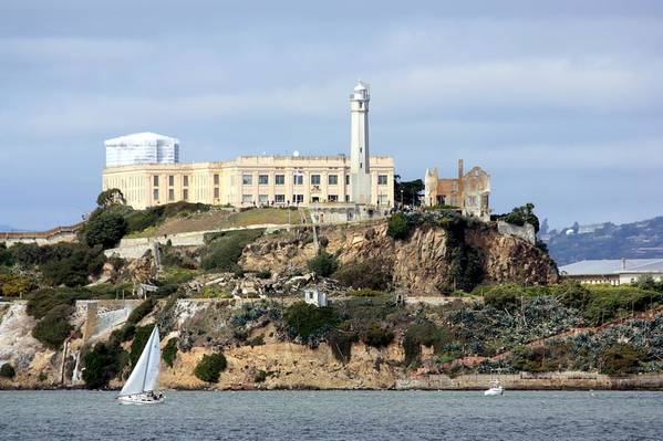 Horizontal Print featuring the photograph Alcatraz Island by Luiz Felipe Castro